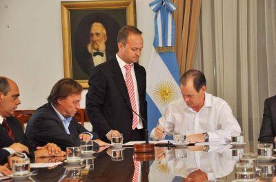 Se firmó el contrato para la construcción del nuevo edificio de la Escuela N° 100 Puerto Nuevo de Paraná