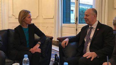 "Ministra de la UE: ""Las embajadas de Europa permanecerán en Tel Aviv"""