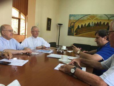 Cardenal cercano al Papa analizó programa de seminario que reunirá a personalidades de cinco continentes en el Vaticano