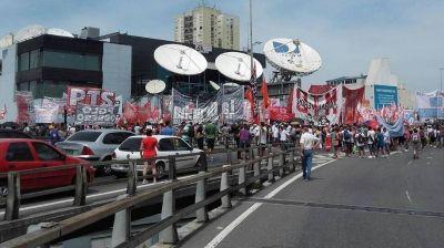 La protesta nacional que no fue televisada: exigieron la reincorporación de los 380 despedidos de AGR-Clarín