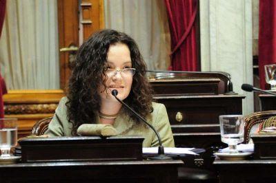La Senadora Tere Luna rechazó el proyecto del Ejecutivo Nacional que reduce la cantidad de feriados