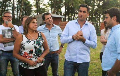 El presidente de la Cámara de Diputados de la provincia Manuel Mosca recorrió Zárate junto a la diputada Sandra París