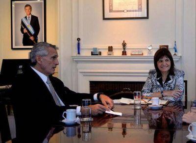 """Aislado y debilitado en el gobierno, Tierno coquetea con """"Pato"""" Bullrich"""