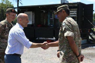 Ducoté recibió al Ejército, que se suma a la asistencia tras el temporal