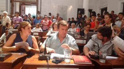 Opositores pidieron interpelar a Passaglia pero no reunieron la cantidad de votos necesaria