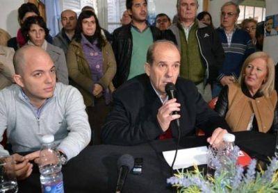 Intendente kirchnerista contradice a Macri y declara inamovibles el 24 de marzo y el 2 de abril