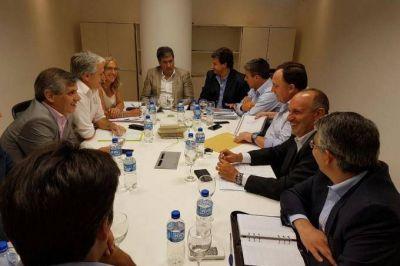 Intendentes massistas delinearon con Gigante los detalles del fondo de infraestructura