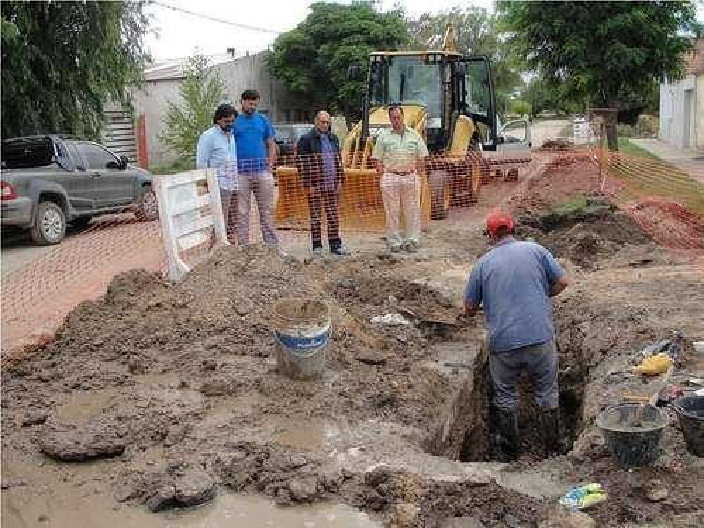 Reino recorrió obras del Plan Director de Agua y Cloacas