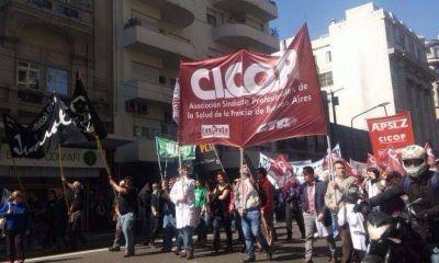 Médicos vuelven a parar contra Vidal y se agudiza el conflicto en salud