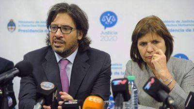 Qué dice el decreto de Macri que modifica la Ley de Migraciones