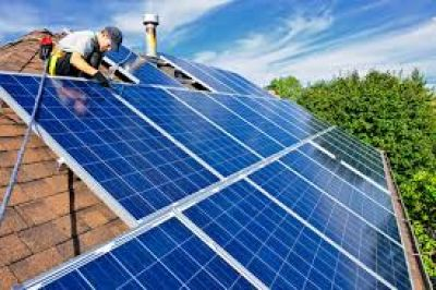 Instalarán equipos de energías renovables en instituciones de bien público