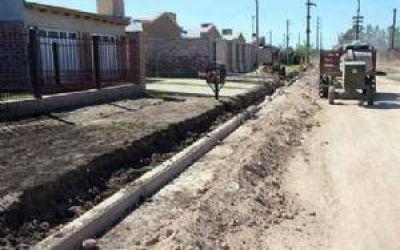 """Construcción de cordón cuneta en el barrio """"Stella Maldonado"""""""