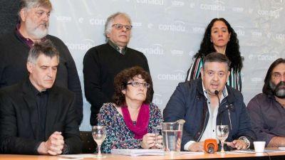 Gremios docentes exigen una paritaria nacional, piden un aumento de 25% y amenazan con no iniciar las clases