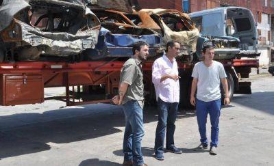 Tagliaferro supervisó la remoción de autos abandonados