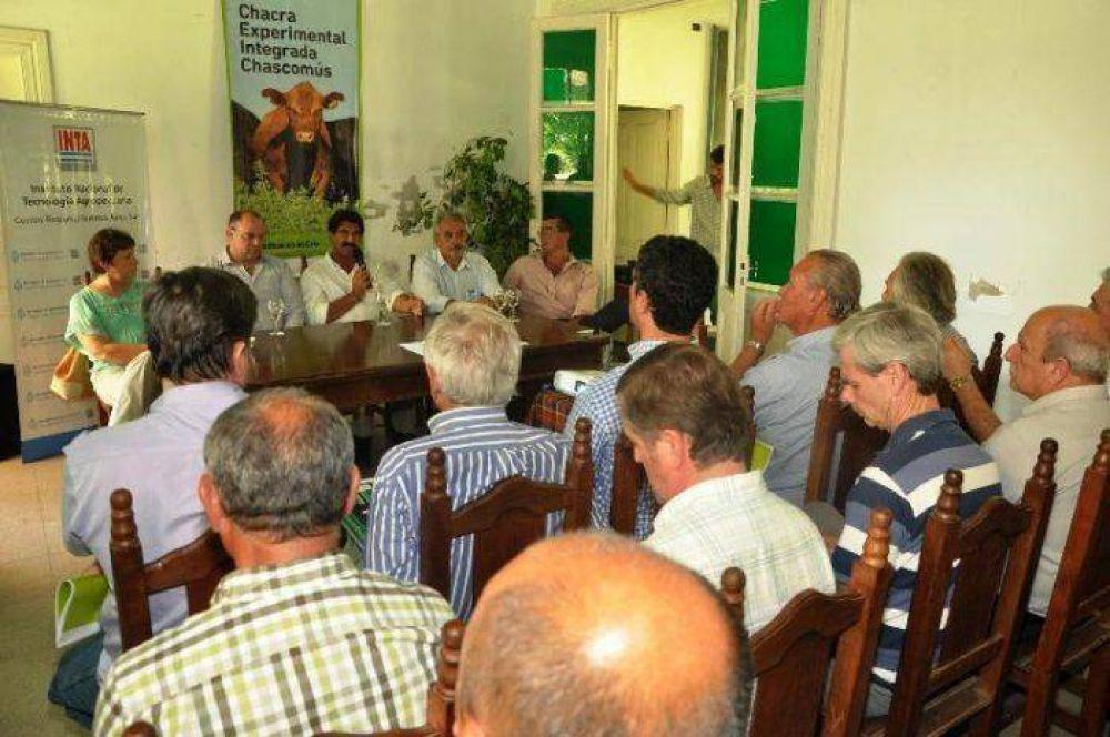 EN CHASCOMÚS: El Ministro de Agroindustria de la Provincia de Buenos Aires firmó convenios de cooperación con el titular del INTA