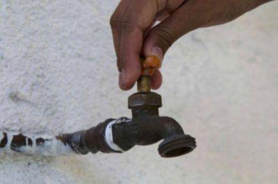 Cada vez son más las localidades en donde la gente se queja por falta de agua potable