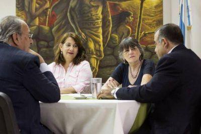 Profesionales insisten para que se trate la ley de Ética Pública
