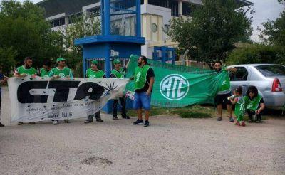 Trabajadores de INTI San Luis protestaron contra despidos en el sector