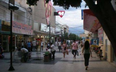 El municipio comunica normas para la colocación de toldos, vallas y carteles publicitarios en la vía pública