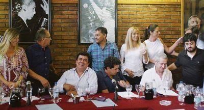 """La Tupac une al PJ bonaerense: Magario, """"Kato"""", Domínguez y el """"Chino"""" a Jujuy"""