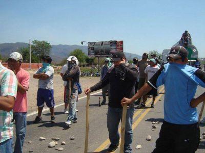 Tartagal: corte, rehenes y desalojo sobre la ruta nacional 34