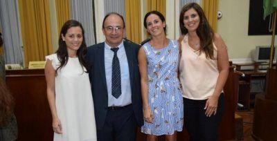 Asumieron nuevos funcionarios e Intendente Interina Prof. Viviana Rodríguez
