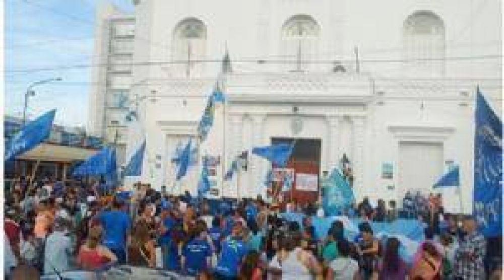 Marcharon para repudiar el tarifazo de la electricidad