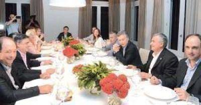 En medios de las divisiones, la UCR prepara su propio retiro espiritual en Córdoba