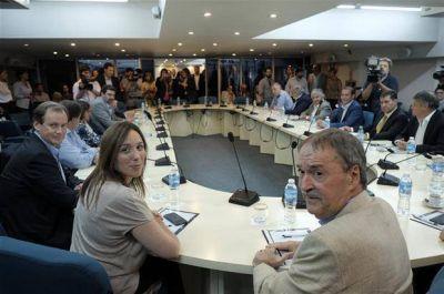Los gobernadores opositores exigieron que Macri garantice los fondos para el aumento a los docentes