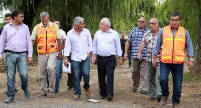 Lifschitz dialogó con vecinos de Villa Constitución y Empalme