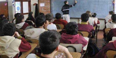 Fijan topes a la cuota de las escuelas privadas que reciben subsidio estatal