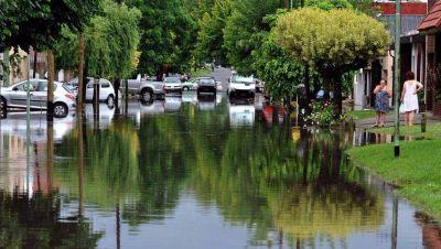 """Inundación: asambleas barriales afirman que La Plata sigue en estado de """"vulnerabilidad hídrica"""""""