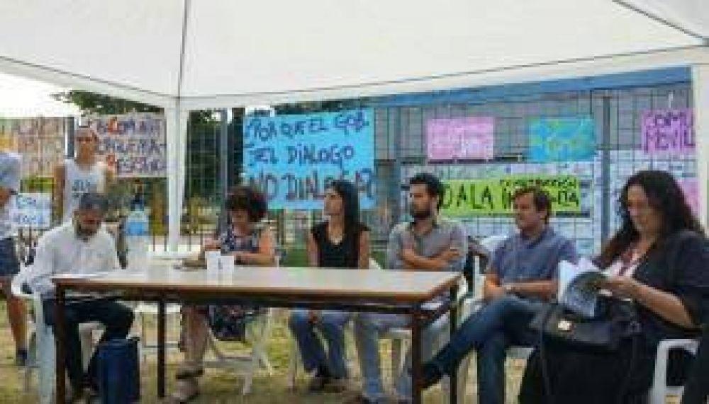 Legisladores preocupados por la situación del colegio Lorca