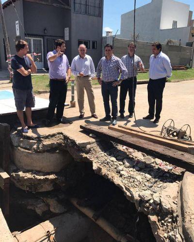 El intendente estuvo con funcionarios de Interior y del ENOHSA y les reclamó por el Plan Hidrico