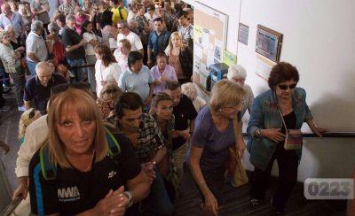 Jubilados reclaman en el Pami por mala atención y falta de medicamentos
