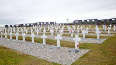 La Cruz Roja arranca las tareas para identificar a 123 soldados argentinos en Malvinas