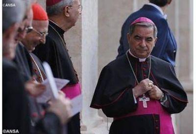 El Papa nombra a Mons. Becciu delegado especial para el Capítulo extraordinario de la Orden de Malta