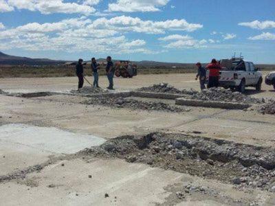 Se acondicionaron 1200 metros de pista del aeropuerto local
