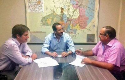 La Provincia y Tartagal firmaron convenios para realizar obras comunitarias