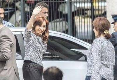 Cristina cuestionó obra pública en la provincia y perfila su candidatura