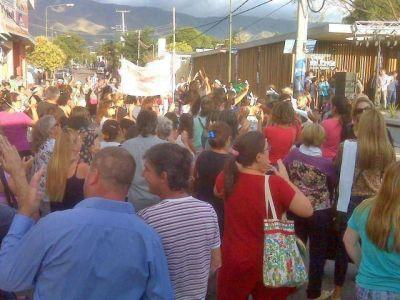 Merlo: vecinos reclamaron al gobernador por el déficit de la salud pública