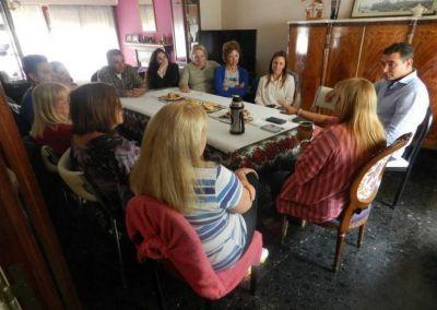 Tarifas: Hogan se reunió con integrantes de la Liga de Amas de Casa