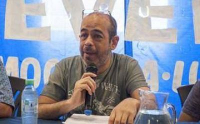 """""""Si un sindicato acepta el 18 por ciento, le está haciendo el juego al intendente local y a Vidal"""""""