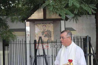 El padre Fabián Geréz se despidió de la parroquia San Cayetano