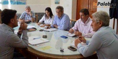 Por el estado del río Negro, Zara y Foulkes se reunirán con las autoridades de la AIC