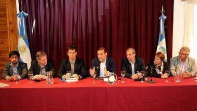 Gutierrez anunció los 19 millones para otras 26 cuadras de asfalto en Villa la Angostura