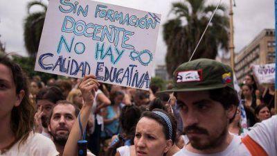 Los gremios docentes nacionales pedirán una paritaria federal y amenazan con no comenzar las clases