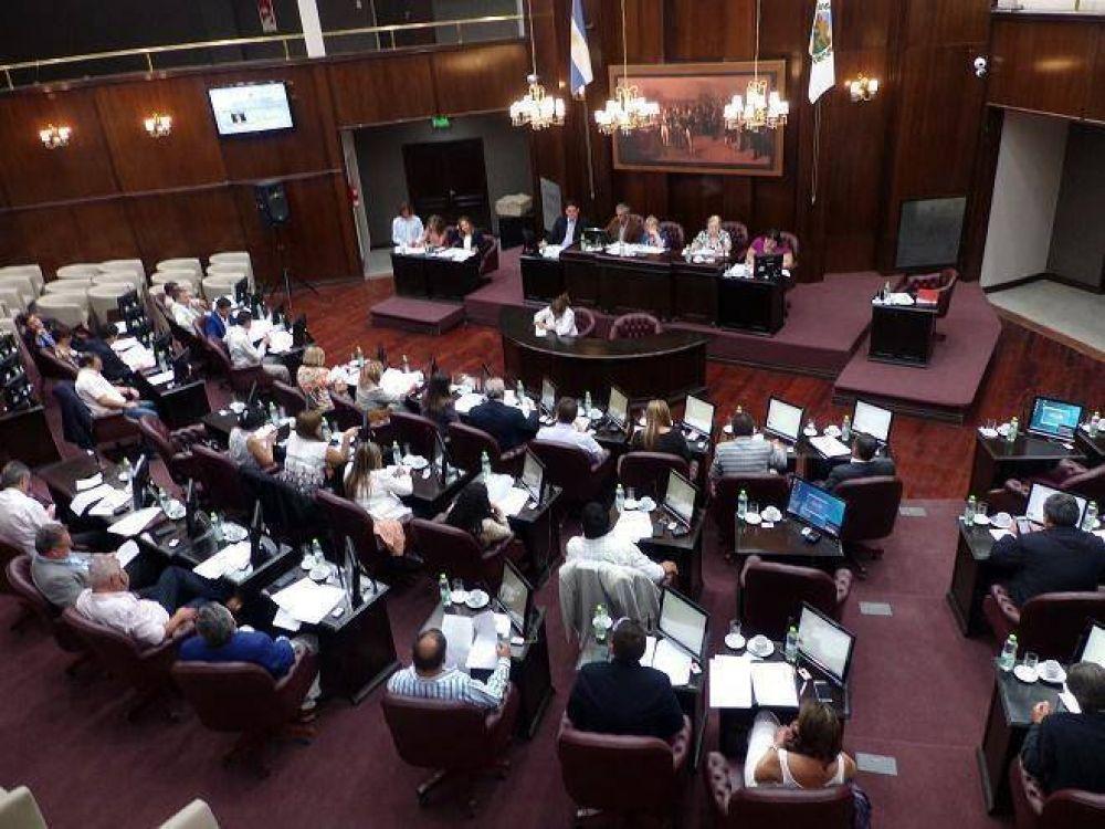 """Refugiados: Cambiemos acusó al gobernador de tener """"doble discurso"""""""