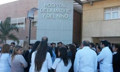 Los médicos exigen un piso de 35% de aumento salarial
