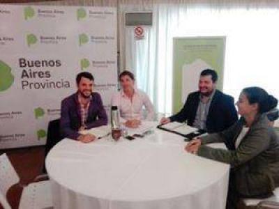 Autoridades provinciales confirmaron al Municipio el avance de la obra del barrio de la UOCRA